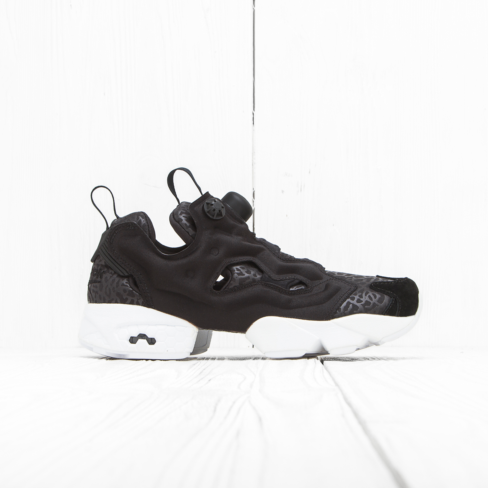 Кроссовки Reebok INSTA PUMP FURY GALLERY Black/White