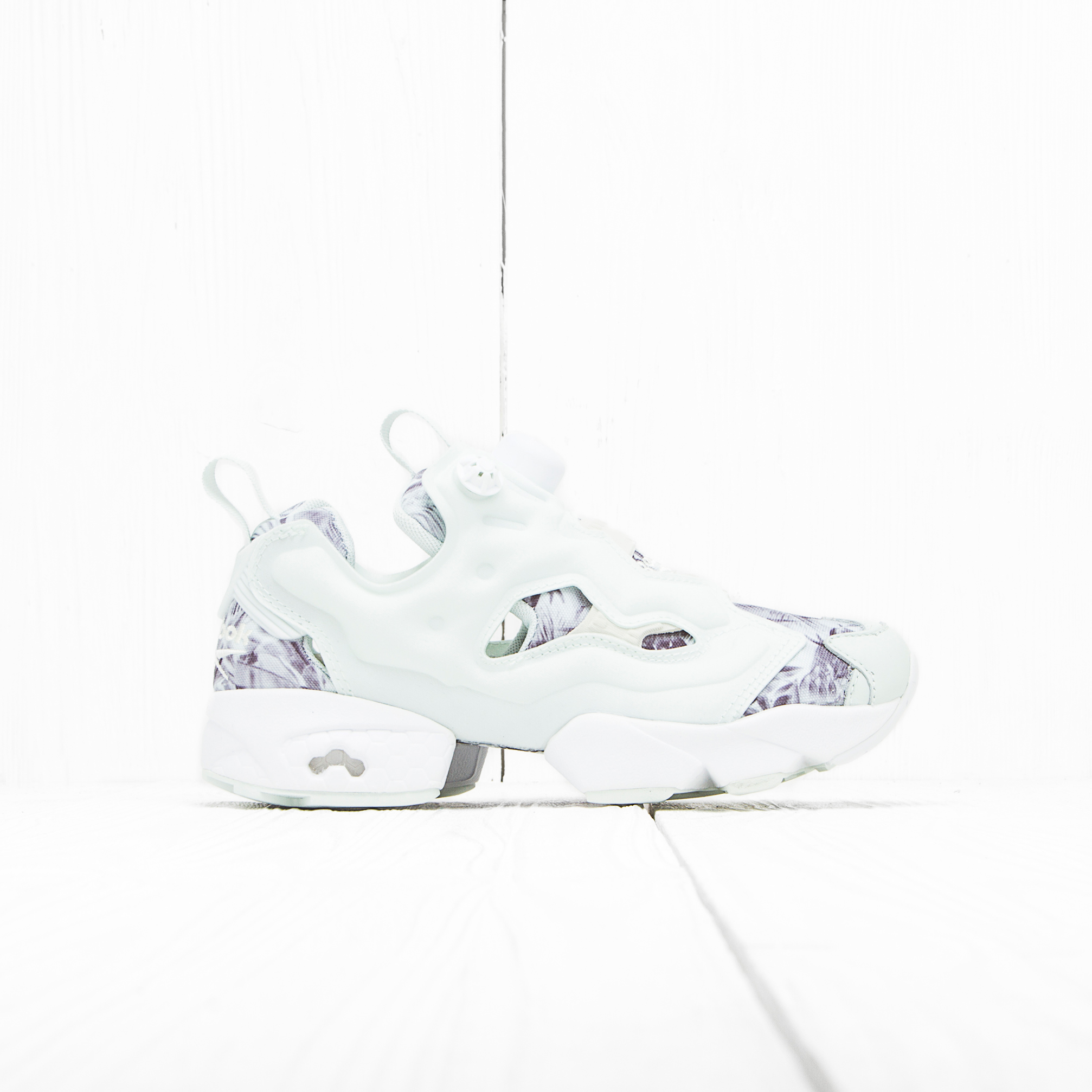 Кроссовки Reebok INSTA PUMP FURY SEASONAL GRAPHIC Opal/White/Steel