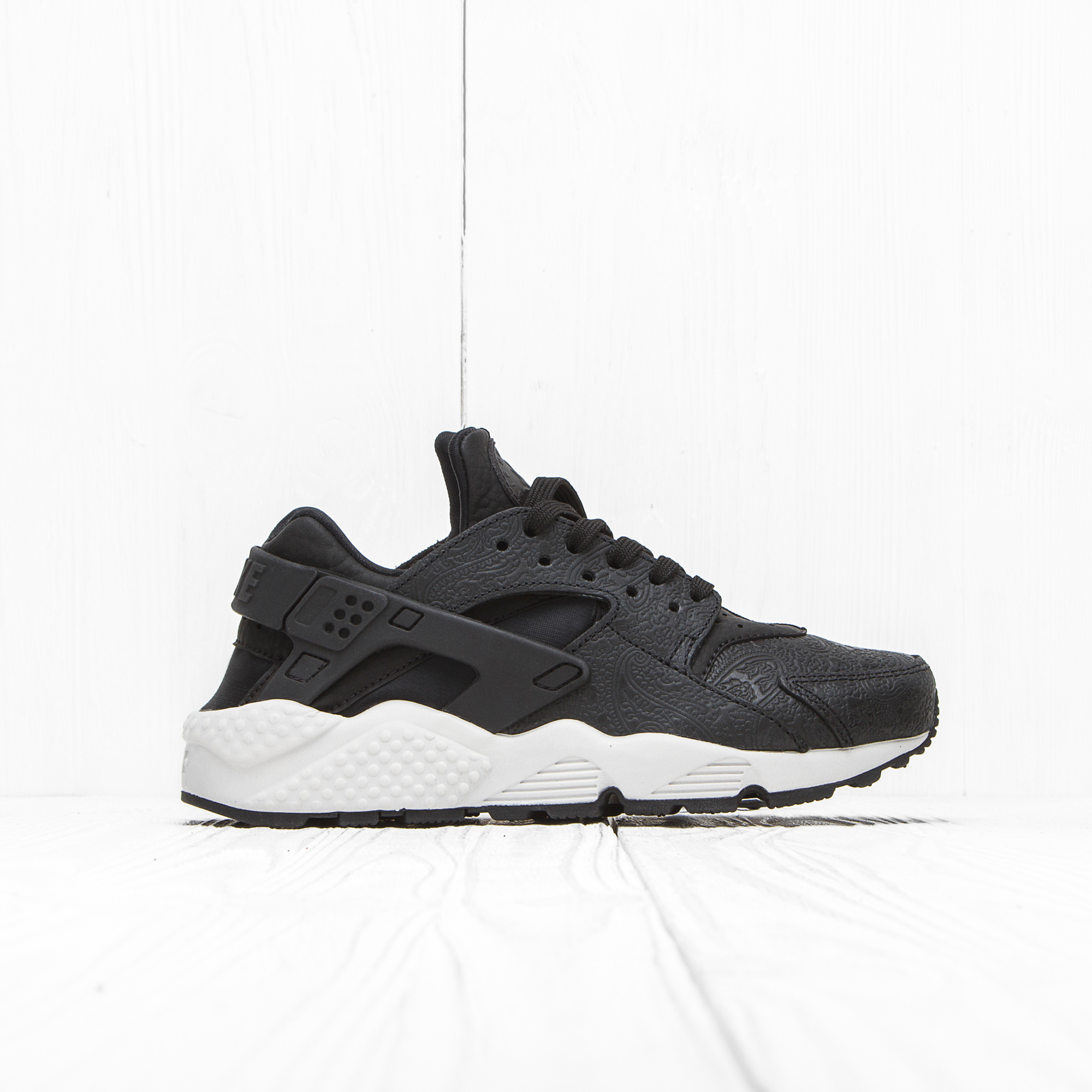 Кроссовки Nike W AIR HUARACHE RUN PRM Black/Black-White
