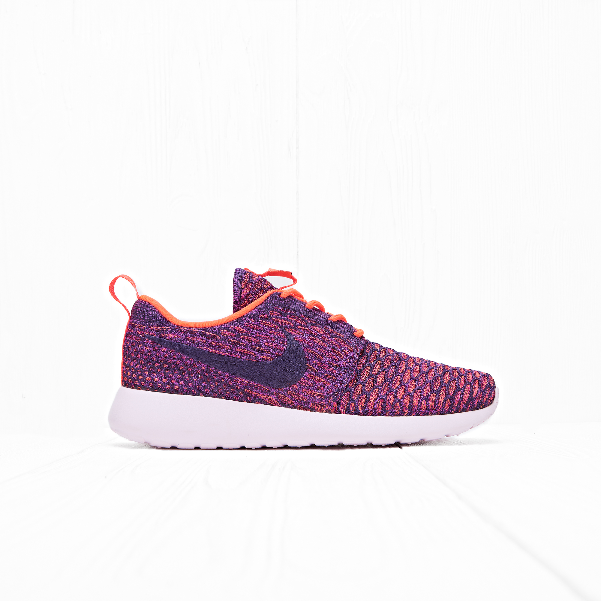 Кроссовки Nike W ROSHE ONE FLYKNIT Total Crimson/Grand Purple