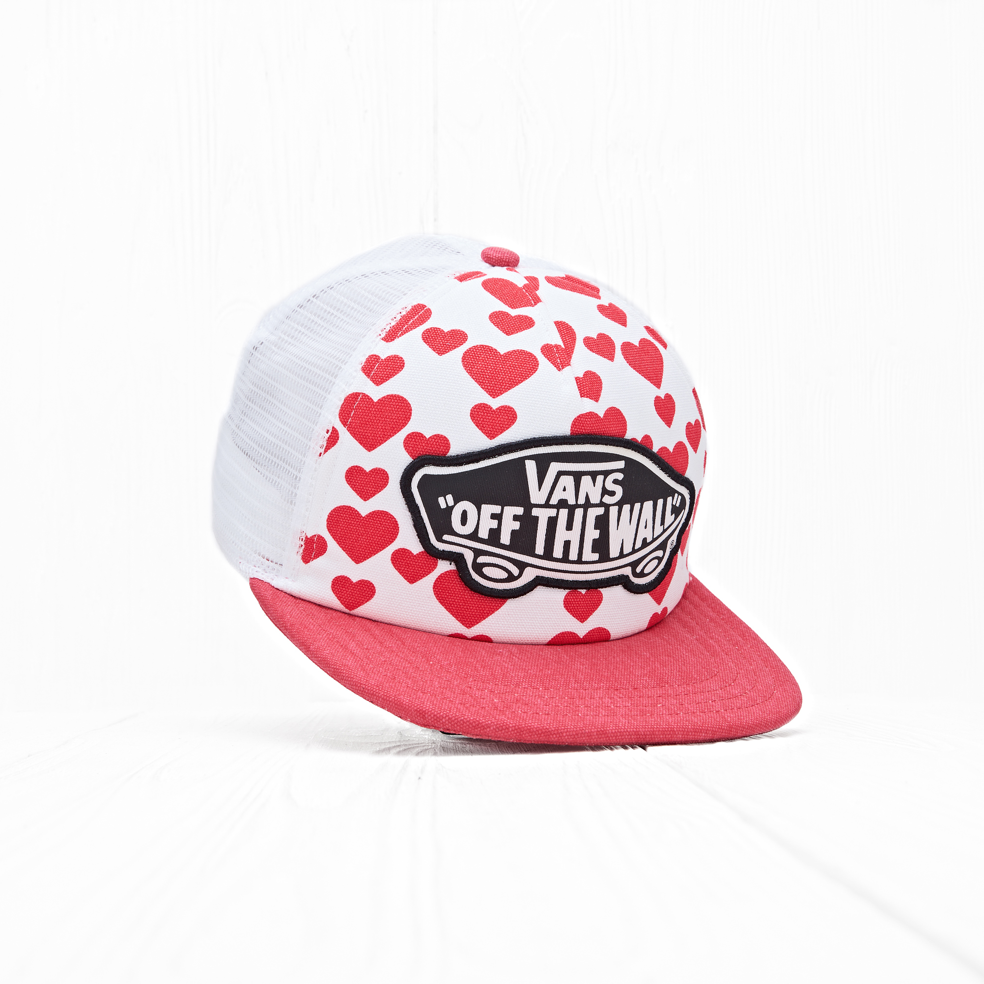 Снепбек Vans BEACH GIRL TRUCKER Hearts Red/White