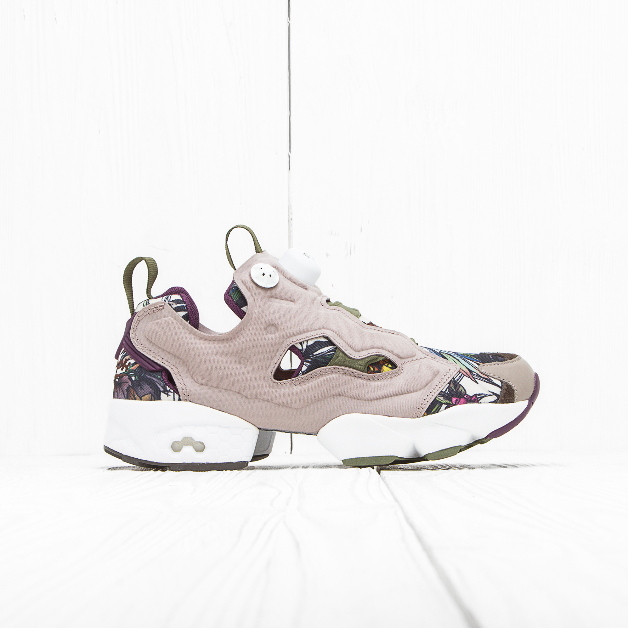 Кроссовки Reebok INSTA PUMP FURY SEASONAL GRAPHIC Beach Stone/Paper White/Green/Orchid/Stone