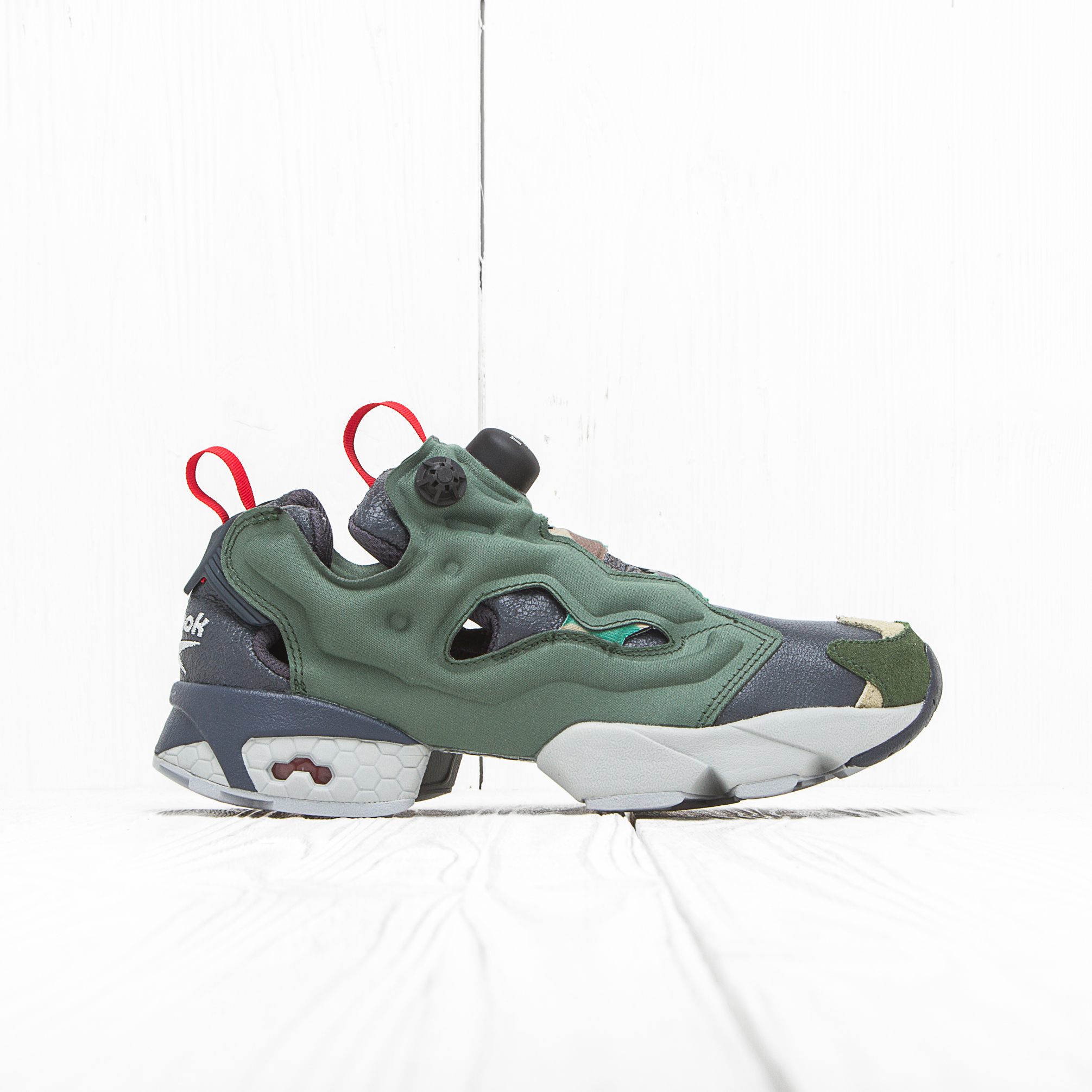 Кроссовки Reebok INSTA PUMP FURY OG Black/Primal Green/Baseball Grey/Scarlet