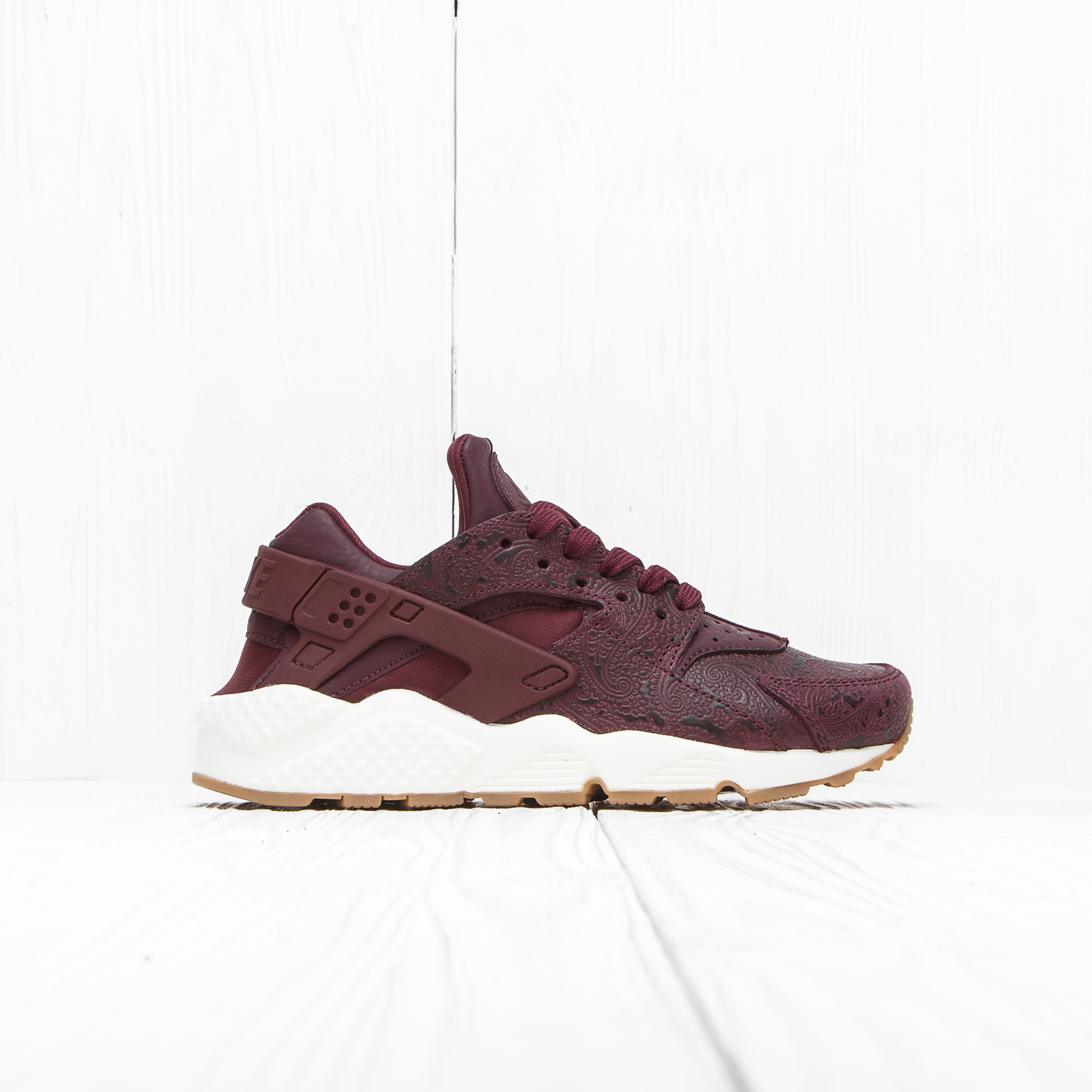 Кроссовки Nike W AIR HUARACHE RUN PRM Night Maroon/Night Maroon-Sail