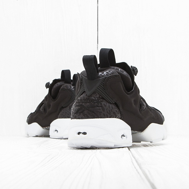 Кроссовки Reebok INSTA PUMP FURY GALLERY Black/White - Фото 1