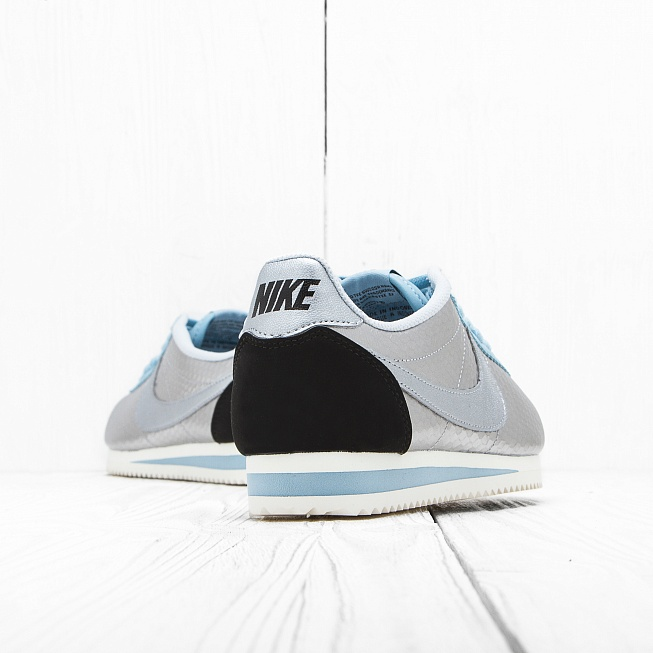 Кроссовки Nike W CLASSIC CORTEZ LEATHER PRM Metallic Silver/Black-Mica Blue - Фото 3