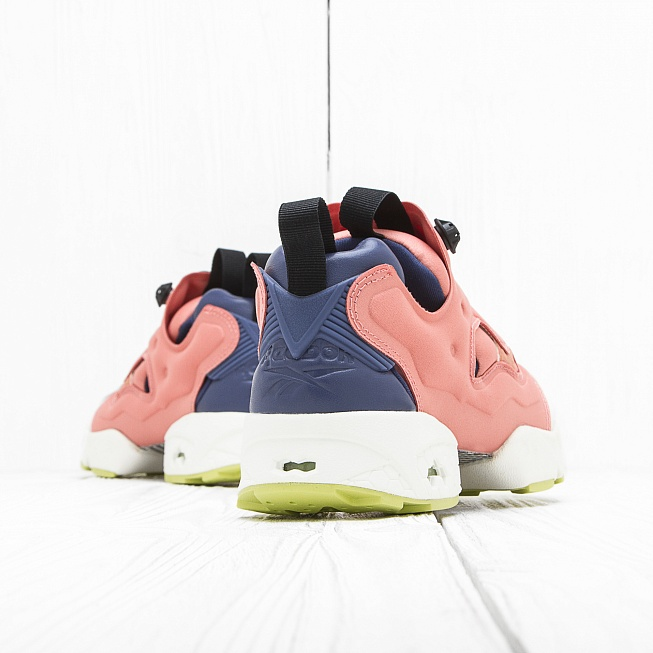 Кроссовки Reebok x Face STOCKHOLM INSTA PUMP FURY Perfect/Philosophic/Fly/Chalk/Authentic - Фото 2