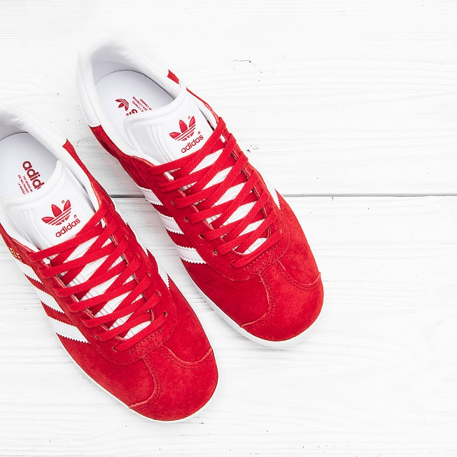 Кроссовки Adidas GAZELLE Power Red/Off White/Gold Met - Фото 1