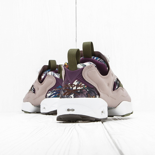 Кроссовки Reebok INSTA PUMP FURY SEASONAL GRAPHIC Beach Stone/Paper White/Green/Orchid/Stone - Фото 2
