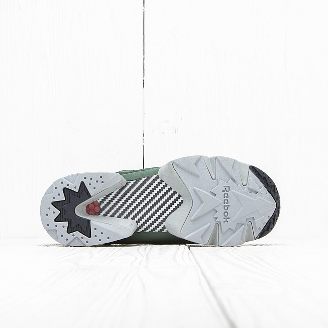 Кроссовки Reebok INSTA PUMP FURY OG Black/Primal Green/Baseball Grey/Scarlet - Фото 3