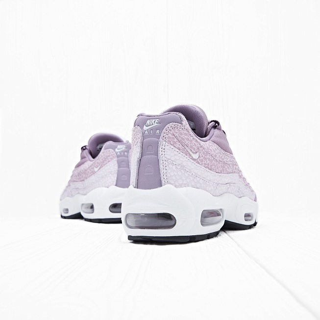 Кроссовки Nike W AIR MAX 95 PRM Purple Smoke/Summit White - Фото 1