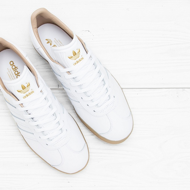 Кроссовки Adidas GAZELLE Running White/Running White/Gold Metallic  - Фото 1