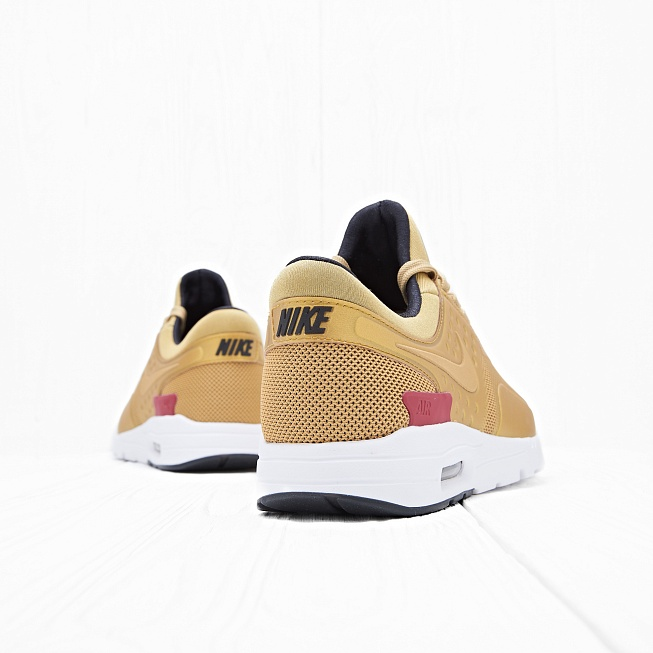 Кроссовки Nike W AIR MAX ZERO QS Metallic Gold/Varsity Red/White/Black - Фото 2