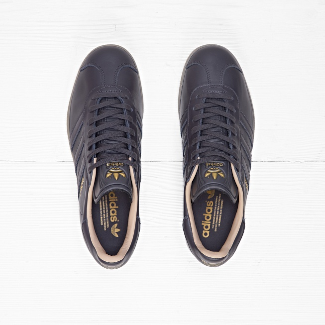 Кроссовки Adidas GAZELLE Utility Black F16/White/Gold Metallic  - Фото 2