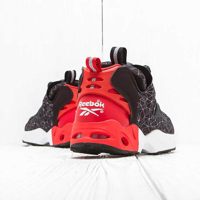 Кроссовки Reebok INSTA PUMP FURY ROAD CNY Black/Motor Red/White - Фото 1