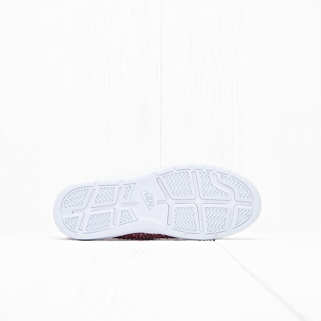 Кроссовки Nike W TENNIS CLASSIC ULTRA FLYKNIT Red/White Team-Smoke Red - Фото 1