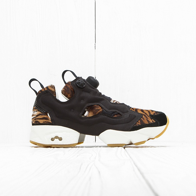 Кроссовки Reebok INSTA PUMP FURY JUNGLE BOOK Shere Khan-Black/Gold Met