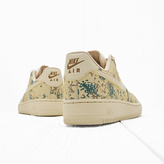 Кроссовки Nike AIR FORCE 1 07 LV8 (COUNTRY CAMO) Team Gold/Team Gold-Golden Beige - Фото 2