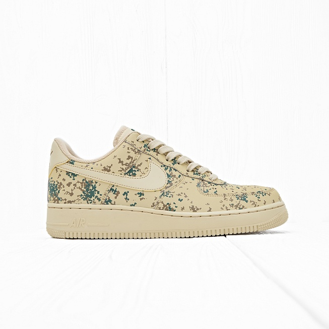 Кроссовки Nike AIR FORCE 1 07 LV8 (COUNTRY CAMO) Team Gold/Team Gold-Golden Beige