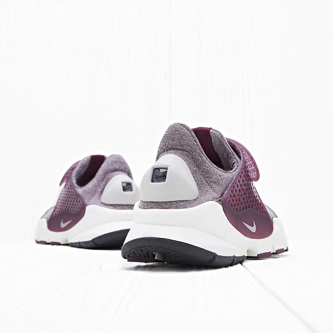 Кроссовки Nike W SOCK DART SE Night Maroon/Sail/Light Iron Ore - Фото 3