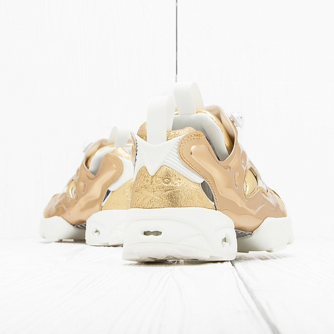 Кроссовки Reebok INSTA PUMP FURY CELEBRATE Reebok Brass/Chalk - Фото 1