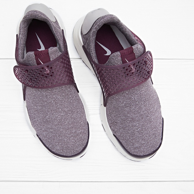 Кроссовки Nike W SOCK DART SE Night Maroon/Sail/Light Iron Ore - Фото 2