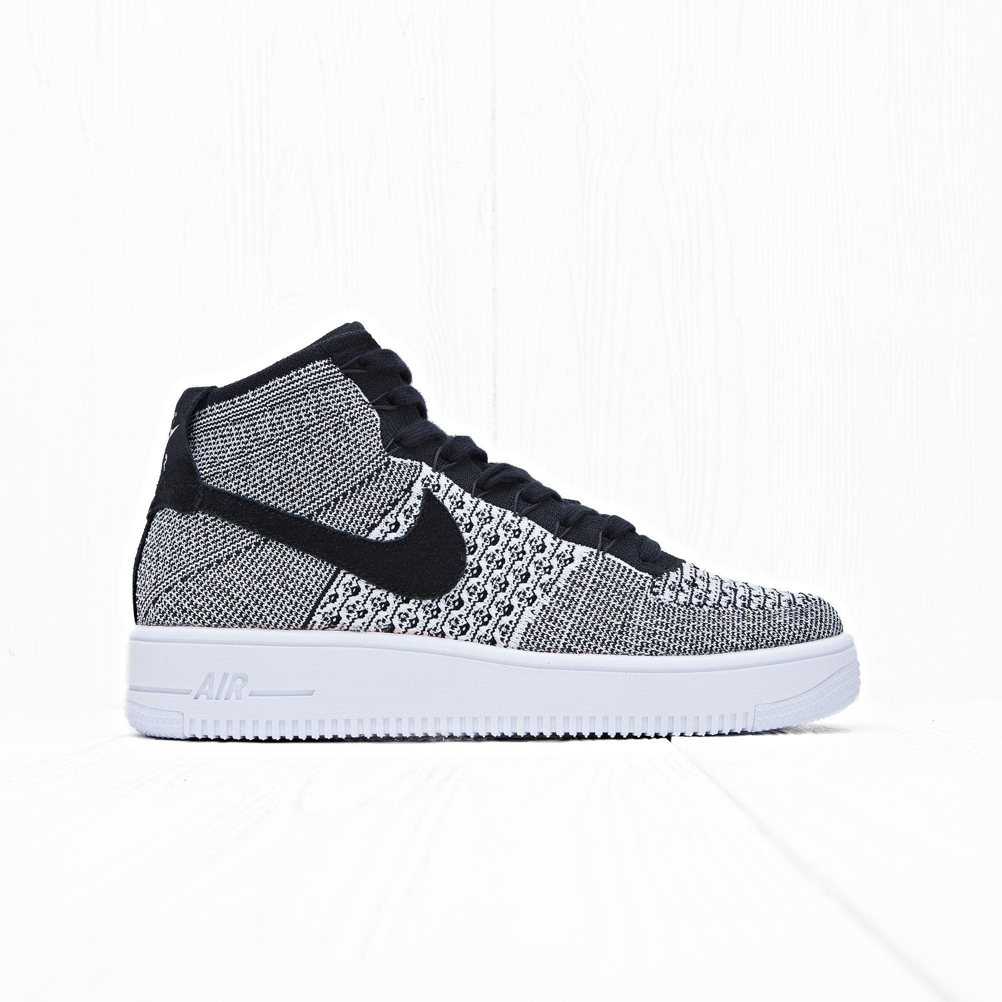 Кроссовки Nike AIR FORCE 1 ULTRA FLYKNIT MID Black/Black-White