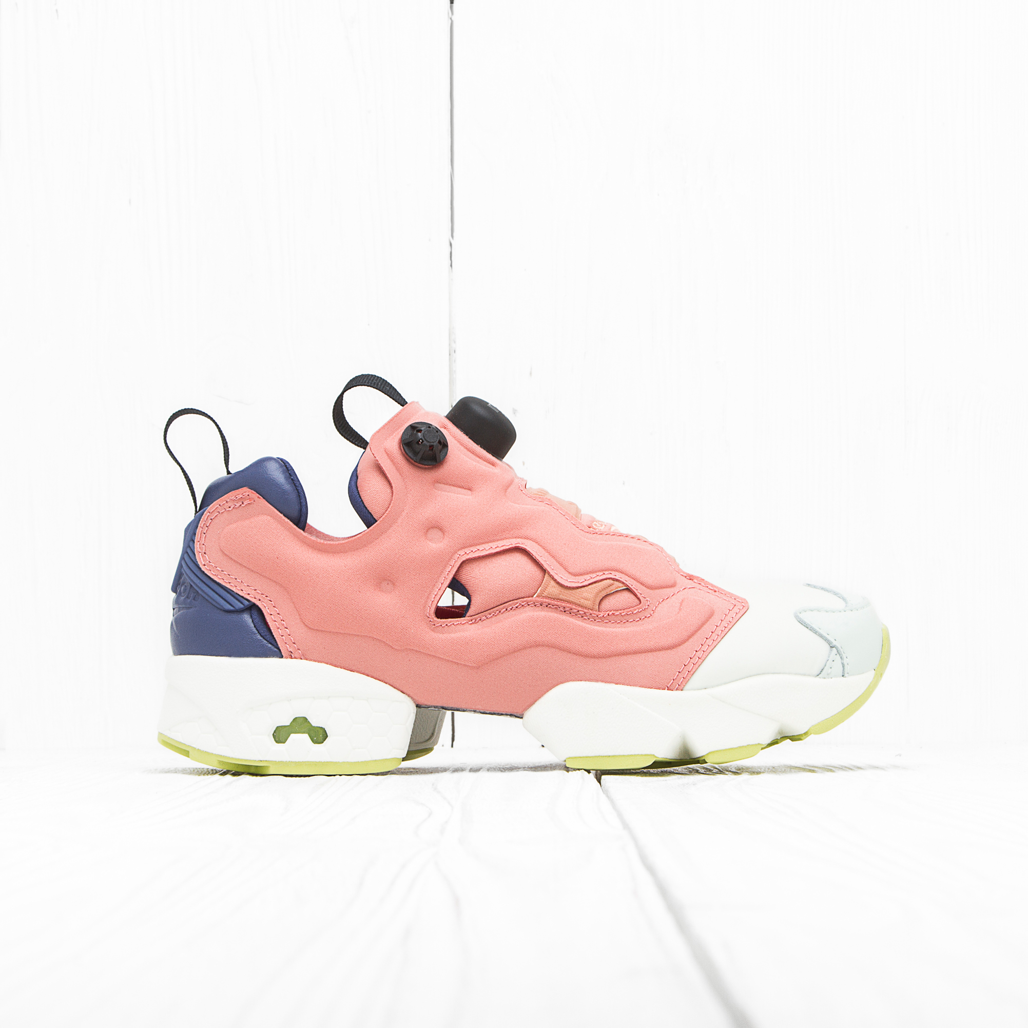 Кроссовки Reebok x Face STOCKHOLM INSTA PUMP FURY Perfect/Philosophic/Fly/Chalk/Authentic